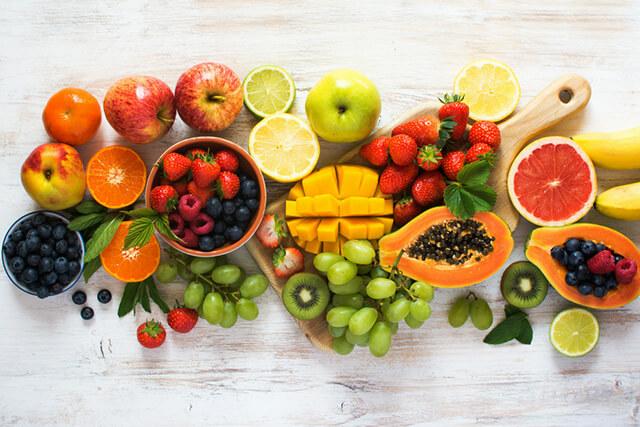彩り鮮やかな果物