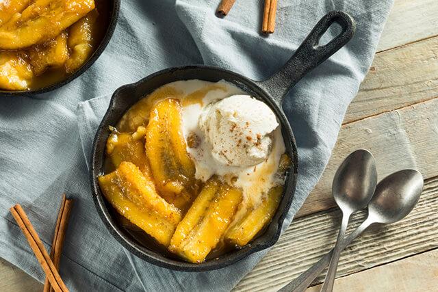 バナナとアイスクリームのデザート