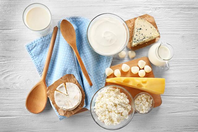 ヨーグルト、チーズなどの乳製品